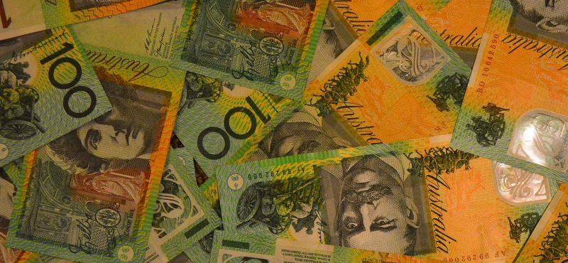 Australian 100 dollar bills